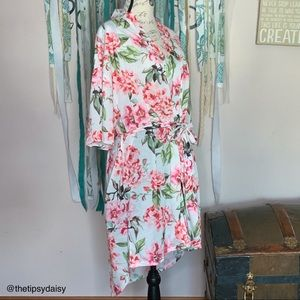 Show Me Your MuMu Garden of Blooms robe/cover